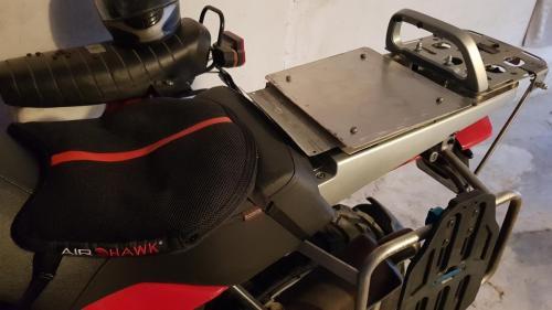 Sitzpolster und Auflageplatten für die Gepäckrollen